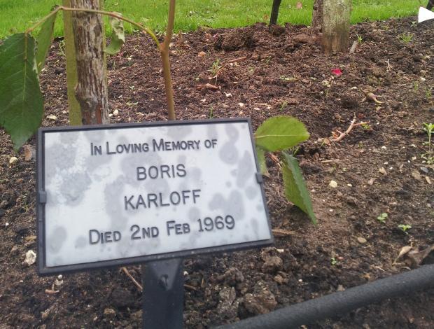 karloffs-grave